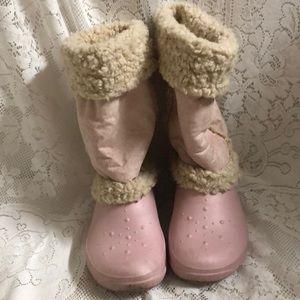 🎃Crocs fur rainboots pink/tan size 8 super soft